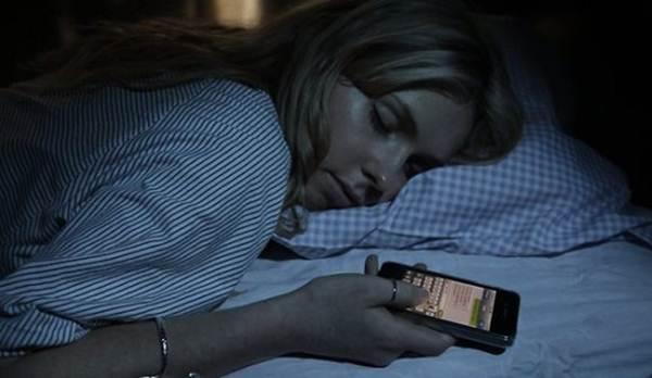 pesquisa-revela-que-responder-mensagens-durante-o-sono-pode-se-tornar-doenca