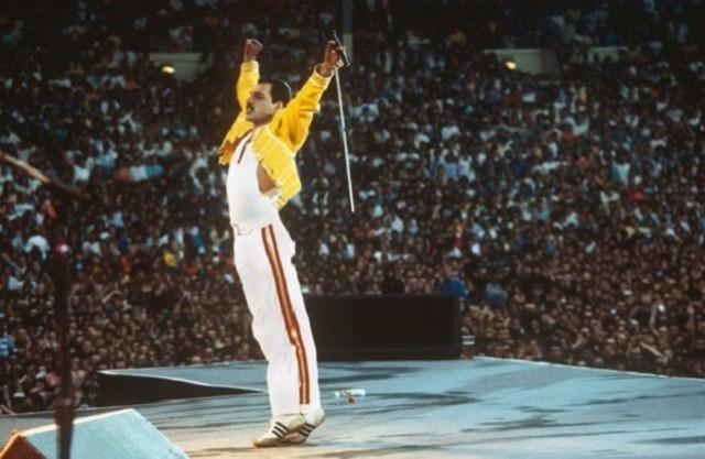 Freddie-Mercury-Wembley