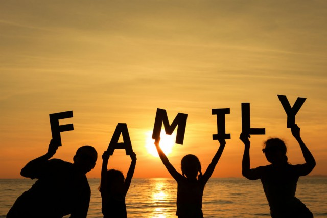 8-things-that-make-a-family-1